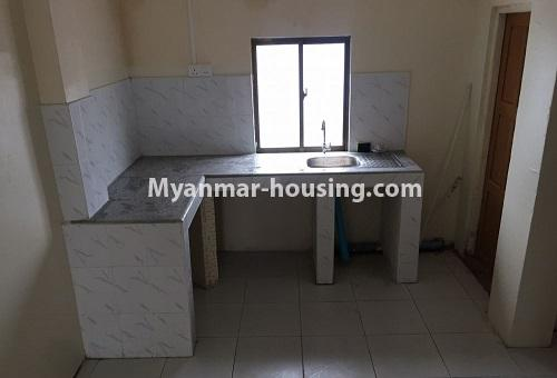 မြန်မာအိမ်ခြံမြေ - ငှားရန် property - No.4386 - တောင်ဥက္ကလာတွင် တိုက်ခန်း ငှားရန်ရှိသည်။Kitchen