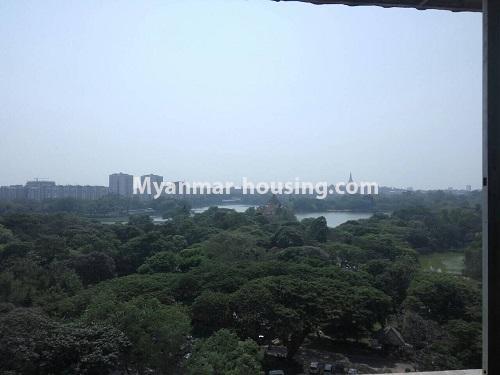 မြန်မာအိမ်ခြံမြေ - ငှားရန် property - No.4399 - တာမွေ ကန်တော်ကြီးဗျူးနှင့် ကွန်ဒိုအခန်းကောင်းကောင်း ငှားရန်ရှိသည်။KanDaw Gyi Lake view