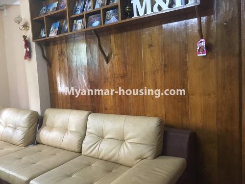 မြန်မာအိမ်ခြံမြေ - ငှားရန် property - No.4410 - မြောက်ဒဂုံတွင် ပရိဘောဂပါပြီး တိုက်ခန်းငှားရန် ရှိသည်။living room view