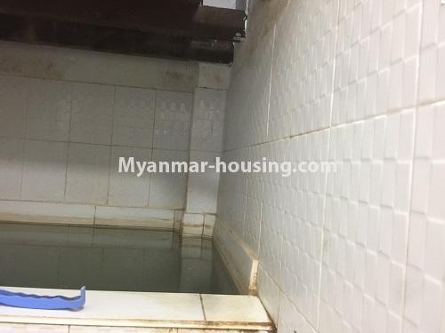 မြန်မာအိမ်ခြံမြေ - ငှားရန် property - No.4410 - မြောက်ဒဂုံတွင် ပရိဘောဂပါပြီး တိုက်ခန်းငှားရန် ရှိသည်။bathroom and water tank