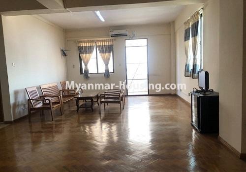 မြန်မာအိမ်ခြံမြေ - ငှားရန် property - No.4411 - မင်္ဂလာတောင်ညွန့် မောင်၀ိတ်ကွန်ဒိုတွင် အခန်းငှားရန်ရှိသည်။living room