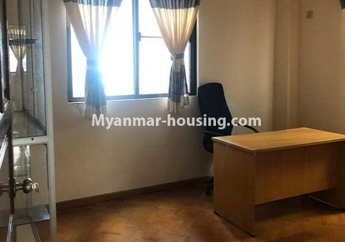 မြန်မာအိမ်ခြံမြေ - ငှားရန် property - No.4411 - မင်္ဂလာတောင်ညွန့် မောင်၀ိတ်ကွန်ဒိုတွင် အခန်းငှားရန်ရှိသည်။single bedroom 2