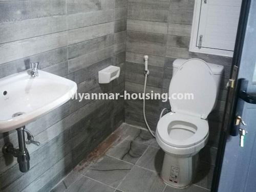 မြန်မာအိမ်ခြံမြေ - ငှားရန် property - No.4420 - သင်္ဃန်းကျွန်းတွင် တိုက်သစ် ပြင်ဆင်ပြီး ကွန်ဒိုခန်းငှားရန်ရှိသည်။bathroom