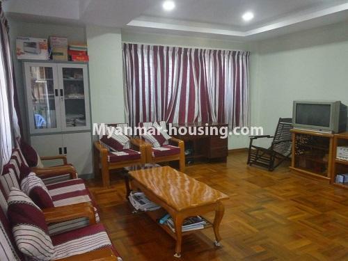 မြန်မာအိမ်ခြံမြေ - ငှားရန် property - No.4421 - တာမွေမြို့နယ်၊ ကျောက်မြောင်းလမ်းမပေါ်တွင်  ပြင်ဆင်ပြီးသား မီနီကွန်ခန်းငှားရန် ရှိသည်။ living room