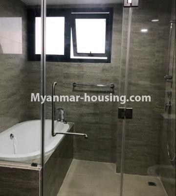 မြန်မာအိမ်ခြံမြေ - ငှားရန် property - No.4433 - မင်္ဂလာတောင်ညွန့် နေရာကောင်းတွင် ကန်သာယာ လူနေကွန်ဒိုခန်း ငှားရန်ရှိသည်။bathroom