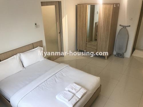 မြန်မာအိမ်ခြံမြေ - ငှားရန် property - No.4440 - ရန်ကုန် မြို့လည်ခေါင် ဒဂုံတွင် ၀န်တောင်မှုအပြည့်ပေးသော တစ်ယောက်နေခန်း တစ်ခန်းငှားရန်ရှိသည်။bedroom view