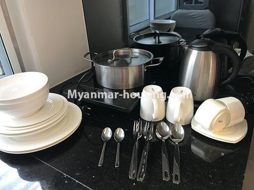 မြန်မာအိမ်ခြံမြေ - ငှားရန် property - No.4440 - ရန်ကုန် မြို့လည်ခေါင် ဒဂုံတွင် ၀န်တောင်မှုအပြည့်ပေးသော တစ်ယောက်နေခန်း တစ်ခန်းငှားရန်ရှိသည်။dining area view
