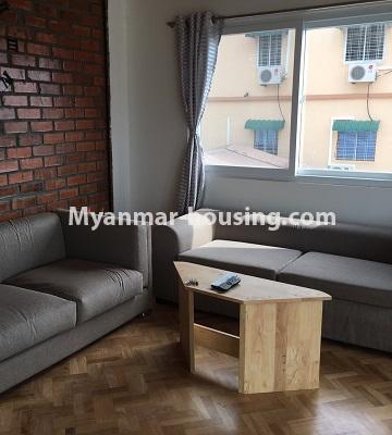 မြန်မာအိမ်ခြံမြေ - ငှားရန် property - No.4442 - ဗိုလ်တစ်ထောင်ဘုရားအနီးတွင် Share room ငှားရန်ရှိသည်။living room