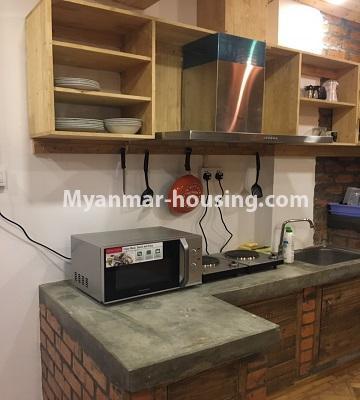 မြန်မာအိမ်ခြံမြေ - ငှားရန် property - No.4442 - ဗိုလ်တစ်ထောင်ဘုရားအနီးတွင် Share room ငှားရန်ရှိသည်။kitchen