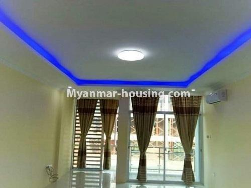 မြန်မာအိမ်ခြံမြေ - ငှားရန် property - No.4448 - မြောက်ဒဂုံတွင် ပတ်၀န်ကျင်ကောင်းပြီး နေချင်စဖွယ်ပြင်ဆင်ထားသော ကွန်ဒိုခန်းသစ် ငှားရန်ရှိသည်။living room view