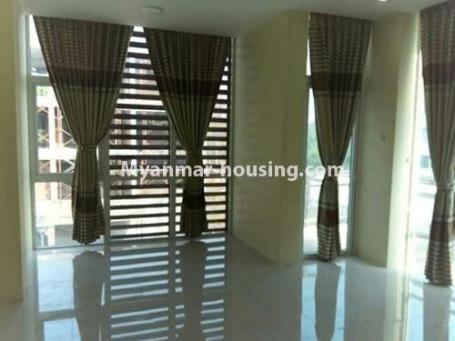 မြန်မာအိမ်ခြံမြေ - ငှားရန် property - No.4448 - မြောက်ဒဂုံတွင် ပတ်၀န်ကျင်ကောင်းပြီး နေချင်စဖွယ်ပြင်ဆင်ထားသော ကွန်ဒိုခန်းသစ် ငှားရန်ရှိသည်။master bedroom view