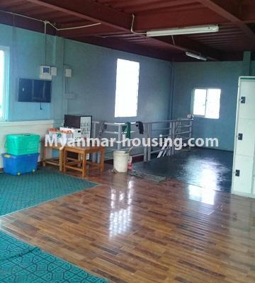 မြန်မာအိမ်ခြံမြေ - ငှားရန် property - No.4452 - တောင်ဒဂုံစက်မှုဇုံ ( ၃ )တွင် စီးပွားရေး လုပ်ငန်းရင်းနှီး မြုပ်နံရန်အတွက် အိမ်ငှားရန်ရှိသည်။ground floor hall