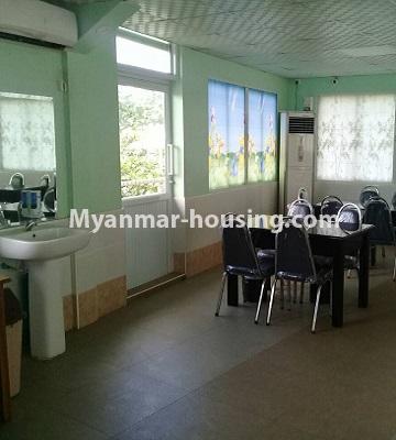 မြန်မာအိမ်ခြံမြေ - ငှားရန် property - No.4452 - တောင်ဒဂုံစက်မှုဇုံ ( ၃ )တွင် စီးပွားရေး လုပ်ငန်းရင်းနှီး မြုပ်နံရန်အတွက် အိမ်ငှားရန်ရှိသည်။second floor hall