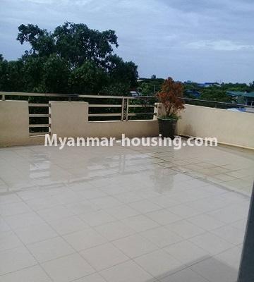 မြန်မာအိမ်ခြံမြေ - ငှားရန် property - No.4452 - တောင်ဒဂုံစက်မှုဇုံ ( ၃ )တွင် စီးပွားရေး လုပ်ငန်းရင်းနှီး မြုပ်နံရန်အတွက် အိမ်ငှားရန်ရှိသည်။top floor view