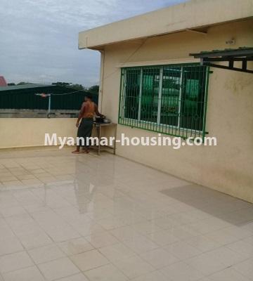 မြန်မာအိမ်ခြံမြေ - ငှားရန် property - No.4452 - တောင်ဒဂုံစက်မှုဇုံ ( ၃ )တွင် စီးပွားရေး လုပ်ငန်းရင်းနှီး မြုပ်နံရန်အတွက် အိမ်ငှားရန်ရှိသည်။another view of top floor