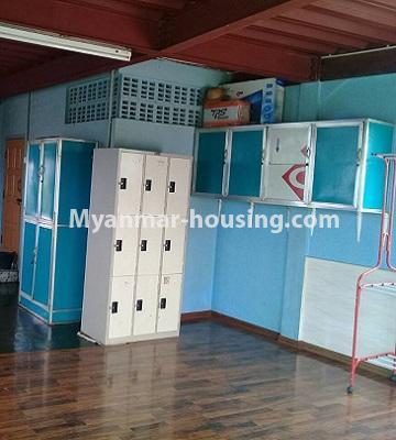 မြန်မာအိမ်ခြံမြေ - ငှားရန် property - No.4452 - တောင်ဒဂုံစက်မှုဇုံ ( ၃ )တွင် စီးပွားရေး လုပ်ငန်းရင်းနှီး မြုပ်နံရန်အတွက် အိမ်ငှားရန်ရှိသည်။another view of second floor