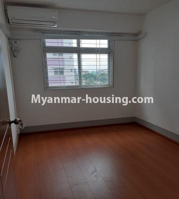 မြန်မာအိမ်ခြံမြေ - ငှားရန် property - No.4453 - ဗိုလ်တစ်ထောင် Time Square တွင် အိပ်ခန်းနှစ်ခန်းနှင့် ကွန်ဒိုခန်းငှားရန် ရှိသည်။bedroom 1