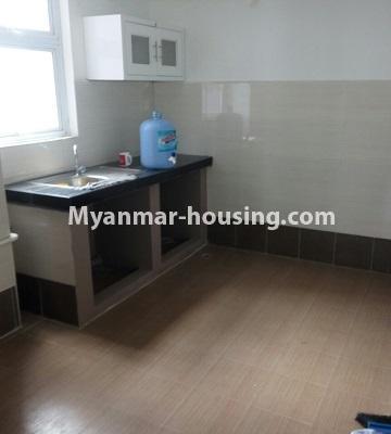 မြန်မာအိမ်ခြံမြေ - ငှားရန် property - No.4453 - ဗိုလ်တစ်ထောင် Time Square တွင် အိပ်ခန်းနှစ်ခန်းနှင့် ကွန်ဒိုခန်းငှားရန် ရှိသည်။kitchen
