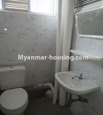 မြန်မာအိမ်ခြံမြေ - ငှားရန် property - No.4453 - ဗိုလ်တစ်ထောင် Time Square တွင် အိပ်ခန်းနှစ်ခန်းနှင့် ကွန်ဒိုခန်းငှားရန် ရှိသည်။toilet