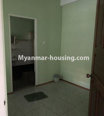 မြန်မာအိမ်ခြံမြေ - ငှားရန် property - No.4455 - သင်္ဃန်းကျွန်း ဆိတ်ငြိမ်ပြီး ပတ်ဝန်းကျင်ကောင်းကောင်းတွင် လုံးချင်းငှားရန်ရှိသည်။compound bathroom