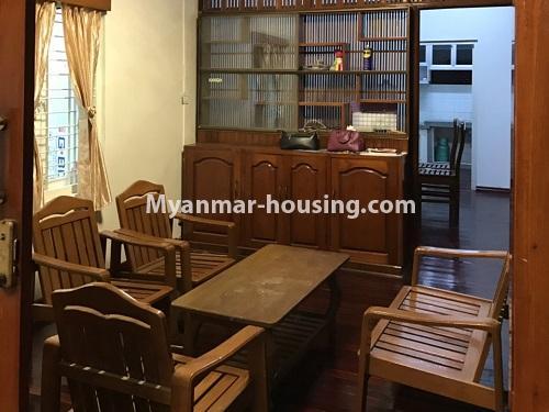မြန်မာအိမ်ခြံမြေ - ငှားရန် property - No.4457 - ကမာရွတ်တွင် အိမ်ခန်းငါးခန်းပါသော လုံးချင်းအိမ်ငှားရန်ရှိသည်။living room
