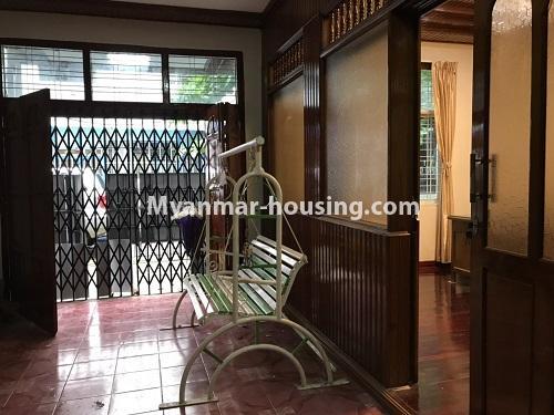မြန်မာအိမ်ခြံမြေ - ငှားရန် property - No.4457 - ကမာရွတ်တွင် အိမ်ခန်းငါးခန်းပါသော လုံးချင်းအိမ်ငှားရန်ရှိသည်။main door