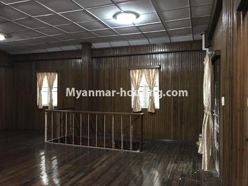 မြန်မာအိမ်ခြံမြေ - ငှားရန် property - No.4457 - ကမာရွတ်တွင် အိမ်ခန်းငါးခန်းပါသော လုံးချင်းအိမ်ငှားရန်ရှိသည်။another view of upstairs living room