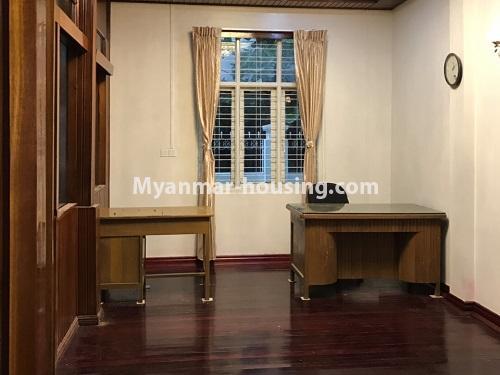 မြန်မာအိမ်ခြံမြေ - ငှားရန် property - No.4457 - ကမာရွတ်တွင် အိမ်ခန်းငါးခန်းပါသော လုံးချင်းအိမ်ငှားရန်ရှိသည်။one room view