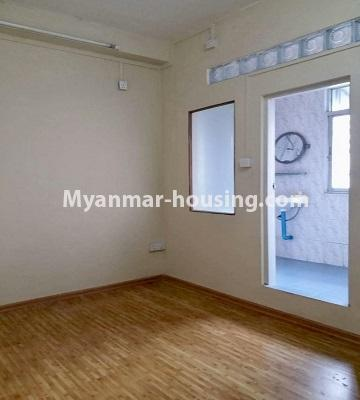 Myanmar real estate - for rent property - No.4462 - Furnished condominium room for rent in Downtown! - master bedroom