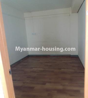 မြန်မာအိမ်ခြံမြေ - ငှားရန် property - No.4463 - လှိုင်မြို့နယ် အင်းစိန်လမ်းမအနီးတွင် တိုက်ခန်းငှားရန်ရှိသည်bedroom 1
