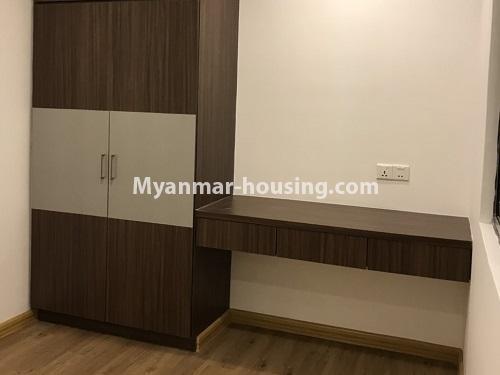 မြန်မာအိမ်ခြံမြေ - ငှားရန် property - No.4464 - လှိုင်မြို့နယ် ပါရမီလမ်းမပေါ်တွင် ပရဘောဂအပြည့်အစုံပါပြီး ကွန်ဒိုခန်းငှားရန်ရှိသည်။bedroom 2