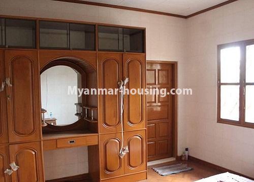 မြန်မာအိမ်ခြံမြေ - ငှားရန် property - No.4467 - သင်္ဃန်းကျွန်းတွင် လူနေရန် သို့မဟုတ် ရုံးခန်းဖွင့်ရန် လုံးချင်းအိမ် ငှားရန်ရှိသည်။master bedroom 1