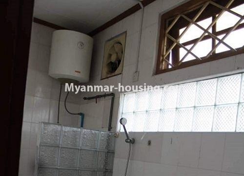 မြန်မာအိမ်ခြံမြေ - ငှားရန် property - No.4467 - သင်္ဃန်းကျွန်းတွင် လူနေရန် သို့မဟုတ် ရုံးခန်းဖွင့်ရန် လုံးချင်းအိမ် ငှားရန်ရှိသည်။compound bathroom