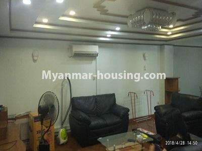 မြန်မာအိမ်ခြံမြေ - ငှားရန် property - No.4472 - စမ်းချောင်းတွင် ဈေးနှုန်းသင့်တော်သော ပရိဘောဂပါပြီး ကွန်ဒိုခန်း ငှားရန်ရှိသည်။living room