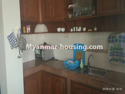 မြန်မာအိမ်ခြံမြေ - ငှားရန် property - No.4472 - စမ်းချောင်းတွင် ဈေးနှုန်းသင့်တော်သော ပရိဘောဂပါပြီး ကွန်ဒိုခန်း ငှားရန်ရှိသည်။kitchen