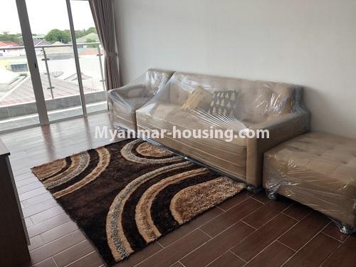 မြန်မာအိမ်ခြံမြေ - ငှားရန် property - No.4475 - စမ်းချောင်းမြို့နယ် စမ်းချောင်း Garden ကွန်ဒိုတွင် ပရိဘောဂပါပြီး အခန်းငှားရန် ရှိသည်။living room