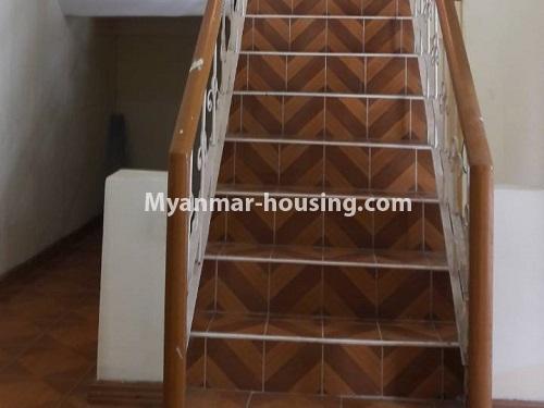 မြန်မာအိမ်ခြံမြေ - ငှားရန် property - No.4477 - မြောက်ဥက္ကလာတွင် နှစ်ထပ်အိပ် ငှားရန်ရှိသည်။ stair