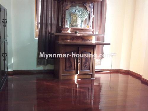 မြန်မာအိမ်ခြံမြေ - ငှားရန် property - No.4477 - မြောက်ဥက္ကလာတွင် နှစ်ထပ်အိပ် ငှားရန်ရှိသည်။ shrine