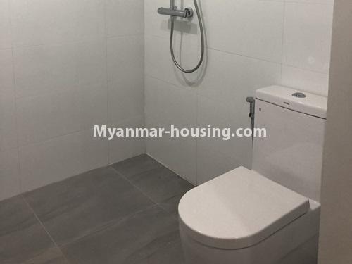 မြန်မာအိမ်ခြံမြေ - ငှားရန် property - No.4480 - စမ်းချောင်း မြတ်မင်္ဂလာကွန်ဒိုတွင် အခန်းငှားရန်ရှိသည်။bathroom 1