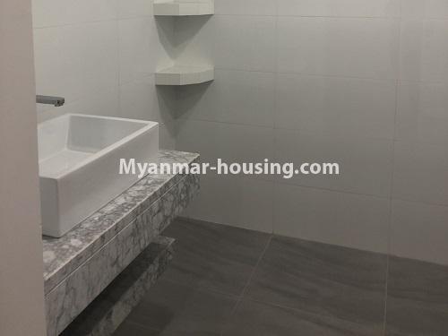 မြန်မာအိမ်ခြံမြေ - ငှားရန် property - No.4480 - စမ်းချောင်း မြတ်မင်္ဂလာကွန်ဒိုတွင် အခန်းငှားရန်ရှိသည်။bathroom 2