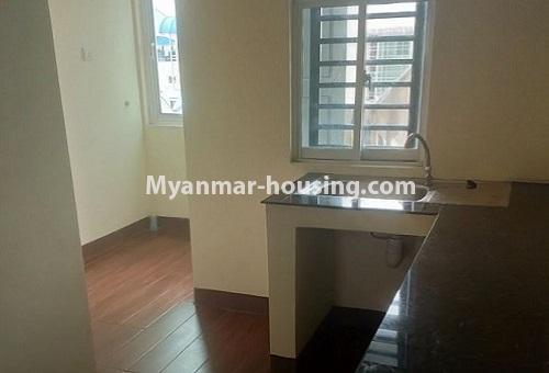 မြန်မာအိမ်ခြံမြေ - ငှားရန် property - No.4488 - တောင်ဥက္ကလာပရတနာလမ်းမကြီးအနီးတွင် ကွန်ဒိုတစ်ခန်းငှားရန်ရှိသည်။kitchen