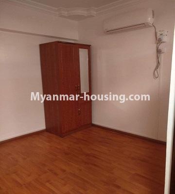 မြန်မာအိမ်ခြံမြေ - ငှားရန် property - No.4490 - ဗိုလ်တစ်ထောင် လမ်း ၅၀ ကွန်ဒိုတွင် အိပ်ခန်းနှစ်ခန်းပါသောအခန်း ငှားရန်ရှိသည်။bedroom 1