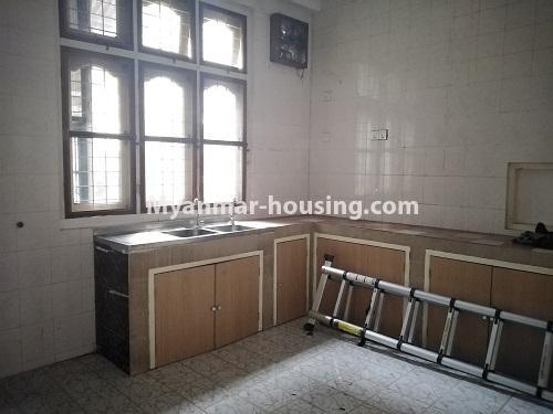 မြန်မာအိမ်ခြံမြေ - ငှားရန် property - No.4493 - ဒဂုံတွင် ရုံးခန်းဖွင့်ရန် သို့မဟုတ် လူနေရန် နှစ်ထပ်အိမ်တစ်လုံး ငှားရန်ရှိသည်။kitchen