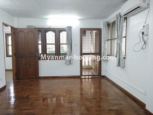 မြန်မာအိမ်ခြံမြေ - ငှားရန် property - No.4493 - ဒဂုံတွင် ရုံးခန်းဖွင့်ရန် သို့မဟုတ် လူနေရန် နှစ်ထပ်အိမ်တစ်လုံး ငှားရန်ရှိသည်။upstairs single bedroom