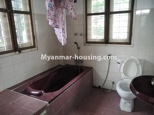 မြန်မာအိမ်ခြံမြေ - ငှားရန် property - No.4493 - ဒဂုံတွင် ရုံးခန်းဖွင့်ရန် သို့မဟုတ် လူနေရန် နှစ်ထပ်အိမ်တစ်လုံး ငှားရန်ရှိသည်။bathroom