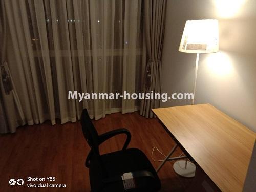 မြန်မာအိမ်ခြံမြေ - ငှားရန် property - No.4495 - စမ်းချောင်း၊ Sanchaung Garden Residence တွင် ခေတ်မှီကွန်ဒိုခန်း တစ်ခန်းငှားရန်ရှိသည်။study room