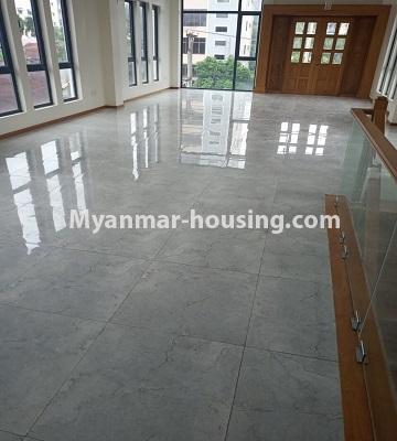 မြန်မာအိမ်ခြံမြေ - ငှားရန် property - No.4496 - Showroom ဖွင့််ချင်သူများအတွက် တောင်ဥက္ကလာမိန်းလမ်းမကြီးပေါ်တွင် RC3ထပ်ခွဲတစ်လုံး ငှားရန်ရှိသည်။ground floor hall view
