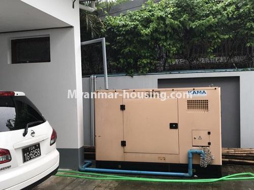 မြန်မာအိမ်ခြံမြေ - ငှားရန် property - No.4497 - ဗဟန်းတွင် လူနေထိုင်ရန် သို့မဟုတ် ရုံးခန်းဖွင့်ရန် နှစ်ထပ်အိမ်တစ်လုံး ငှားရန်ရှိသည်။generator and garage