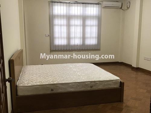 မြန်မာအိမ်ခြံမြေ - ငှားရန် property - No.4497 - ဗဟန်းတွင် လူနေထိုင်ရန် သို့မဟုတ် ရုံးခန်းဖွင့်ရန် နှစ်ထပ်အိမ်တစ်လုံး ငှားရန်ရှိသည်။bedroom 1