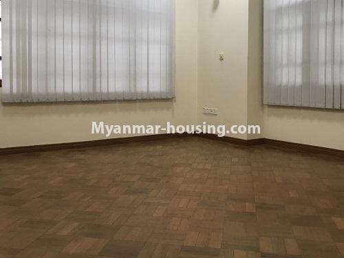 မြန်မာအိမ်ခြံမြေ - ငှားရန် property - No.4497 - ဗဟန်းတွင် လူနေထိုင်ရန် သို့မဟုတ် ရုံးခန်းဖွင့်ရန် နှစ်ထပ်အိမ်တစ်လုံး ငှားရန်ရှိသည်။bedroom 2